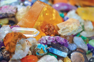 10 crystals to be healthier and happier