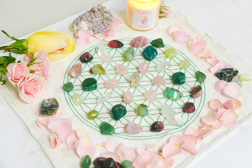 Love Crystals, Stones & Crystal Grids