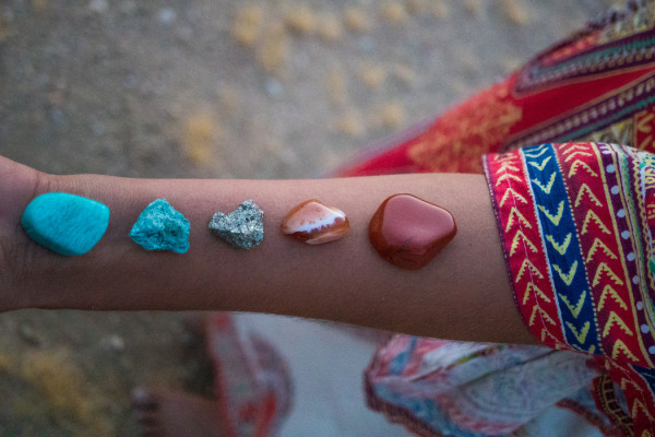 5 Ways to Heal Your Body Using Crystals