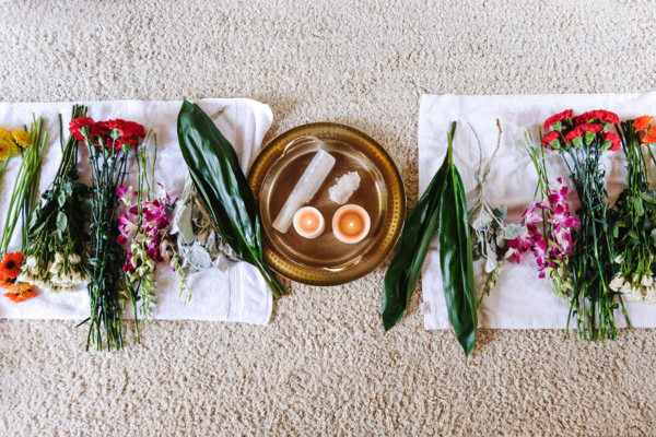 A Spiritual Cleansing Meditation with Flowers + Crystals to Get In Sync with Spring